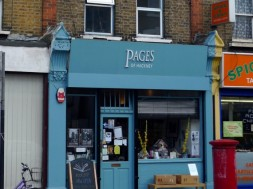 First-Thursday-gallery-Pages-of-Hackney-1-570x428